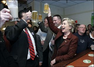 Hillary-drinking-beer-in-indiana1
