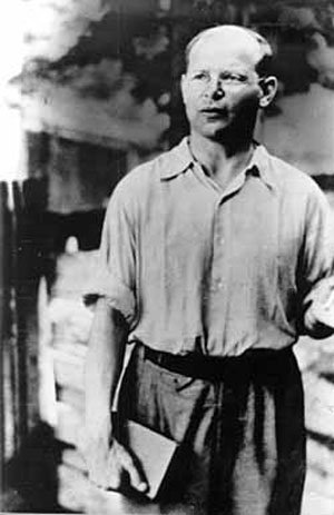 Bonhoeffer-standing
